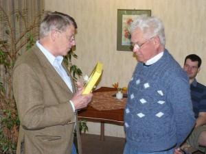 Dank an Gerd Küffner für mehr als 25 Jahre aktive Fluglehrerdienste und tolle F-Schlepps mit seiner Piper D-ENLL!