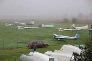 Flugzeug für Flugzeug wird akribisch untersucht.