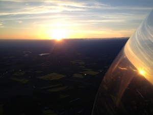 3.5. 2014: Endanflug auf Wahlstedt, der Segeberger See voraus.