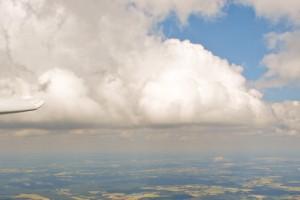 Unterwegs auf dem Fläming in Richtung Osten. Im Hintergrund ist Cottbus zu erkennen.