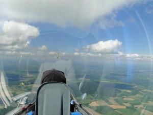 Perfektes Streckenflugwetter über Schleswig-Holstein. Mit Ben auf einem Trainingsflug auf dem Weg zur dänische Grenze.