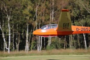 Fluglehrer Wilfried Graupner führt seine Piloten sicher an die Feinheiten des F-Schlepps heran.