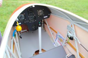 """Ein wunderschönes """"analoges"""" Cockpit mit einem Knüppel im ursprünglichen Sinne des Wortes ..."""
