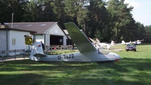 Unsere Ka8 am Flugplatz Grambeker Heide